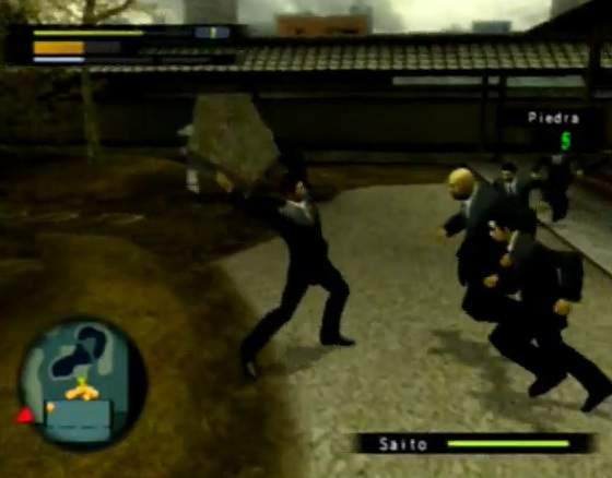 """Aquí el Dragón de Dojima a punto de hacer el clásico """"escombro-contra-cabeza-de-enemigo""""."""